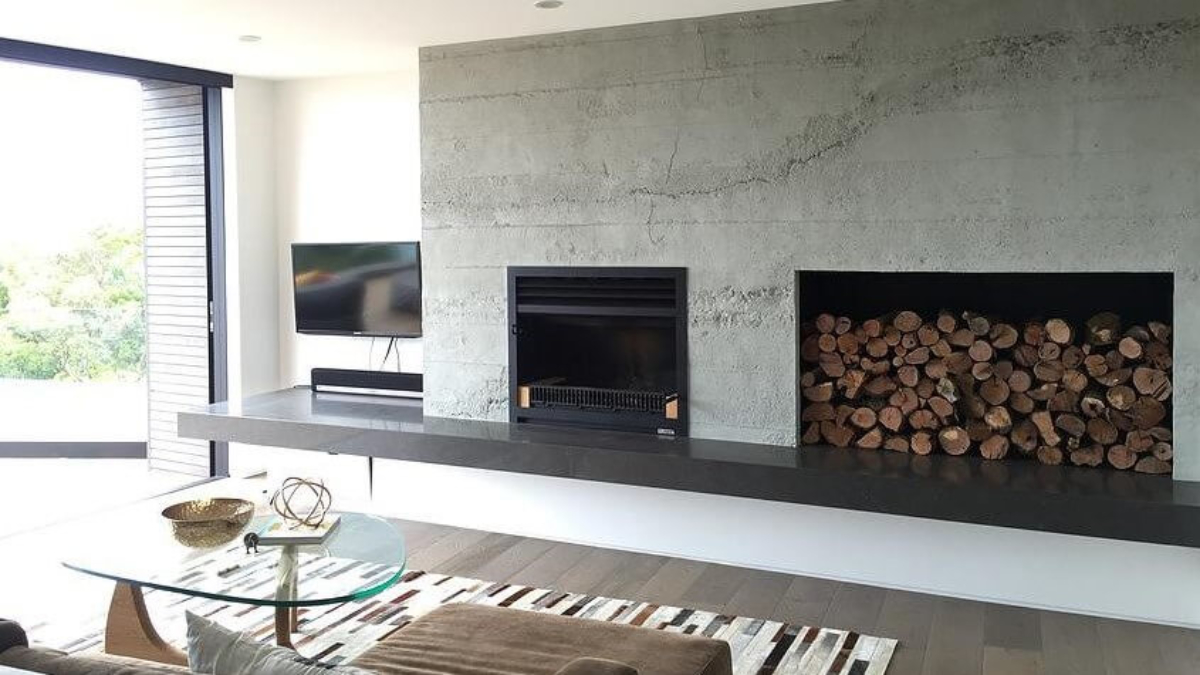 roughcast concrete wall for fireplace - muros