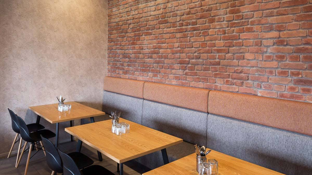 faux brick wall for cafe - muros