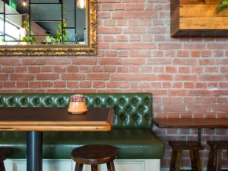 restaurant red brick wall panel - muros