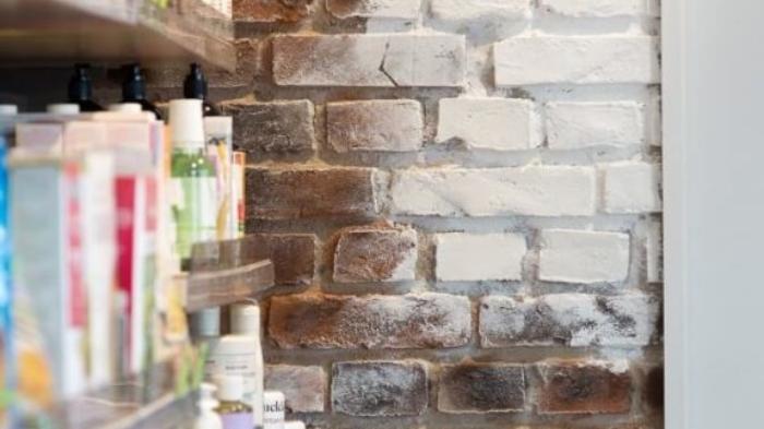 indoor retail rustic brick texture - muros