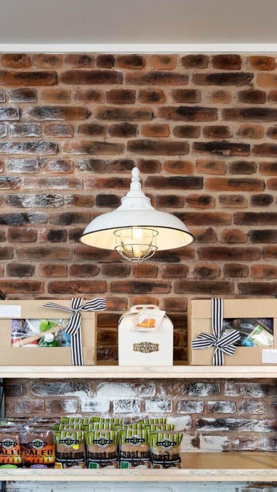 commercial rustic loft brick wall - muros