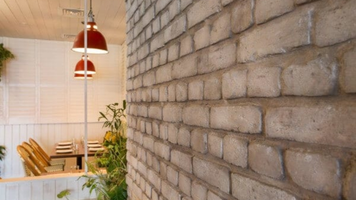 brick wall panel modern restaurants - muros