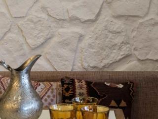 modern restaurant interior white stone 3m wall panel - muros